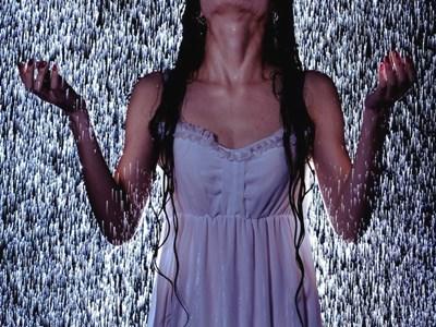 映画「ザ・デイシャッフル!死霊の群れ」解説記事のイメージ画像。
