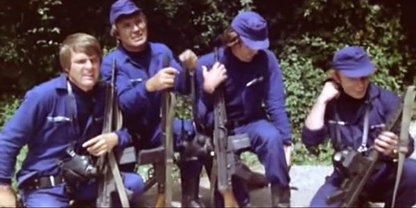 映画「ヘル・オブ・ザ・リビングデッド」のSWAT部隊画像